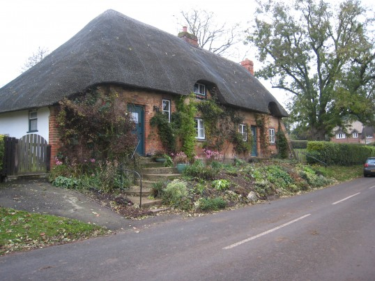 Thatched cottages on the Rambling Club walk from the Abbas to the Water Gardens