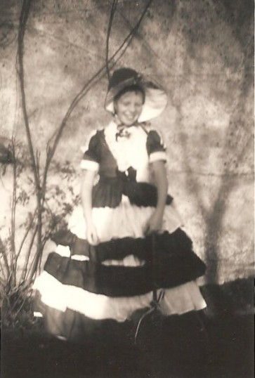 Jenifer Eldridge (now Morgan) of Sawtry in a W. I. Pageant ,aged 7 years old.
