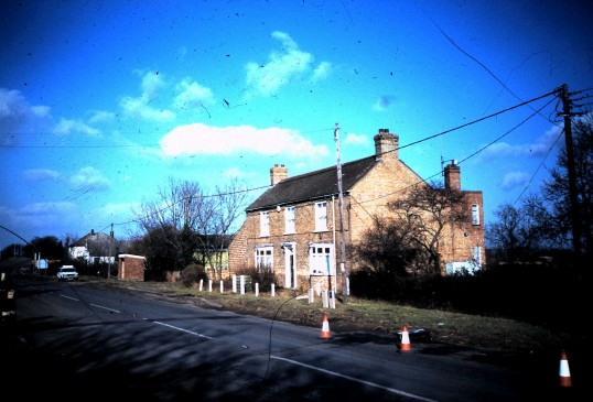 Black Horse Farm on the Grt North Road Sawtry.(Now demolished)