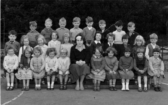 Holme School 1962 Holme Village.