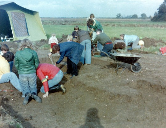 St. Judith's Archaeological Dig Sawtry.(Volunteers onthe site.)