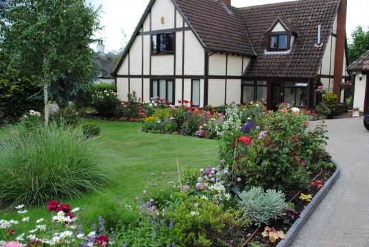 Glatton in Bloom Open Gardens Glatton Village. (The Lawns)