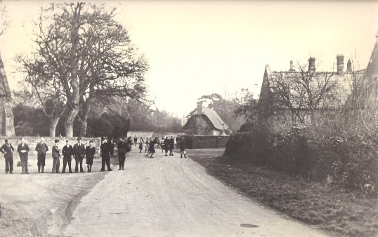 Students outside Holme School, Holme Village.