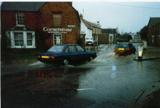 Junction Gidding Road and High Street, SawtryDo you remember this.