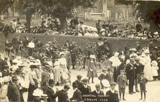 Crowds on Soham High St, near the church wall, on Hospital Sunday 1909.