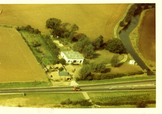 Dirt House, 589 Great North Rd, Eaton Ford in the 1960's now a red brick house on the A1 adjacent to Haile Weston Springs and the River Kym