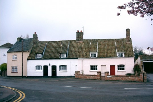 Cottages in Ackerman Street, Eaton Socon in 2004