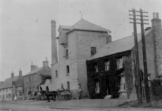 Eaton Socon Brewery around 1905, Great North Rd, Eaton Socon