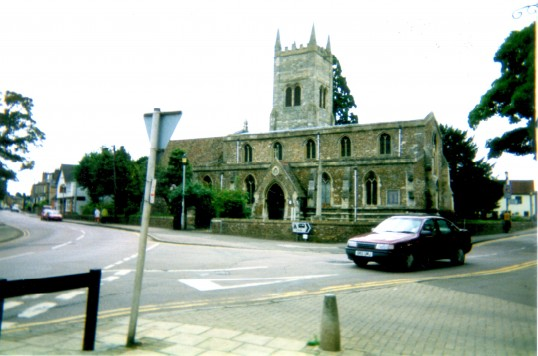 Eynesbury, St Mary's Church, with the Nags Head Hotel on the left in 2000