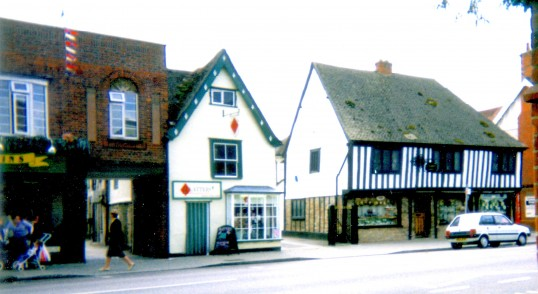 Freemans Jewellers, Platters and other shops in 2002, St Neots High Street