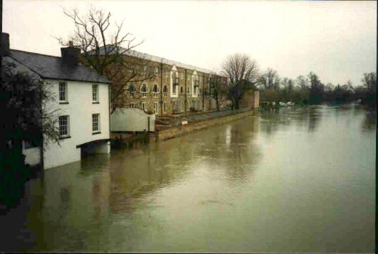 View of flooding of the River Great Ouse looking south from the town bridge - approx 2005