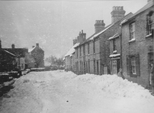 Snow in Luke St, Eynesbury before the floods in 1947