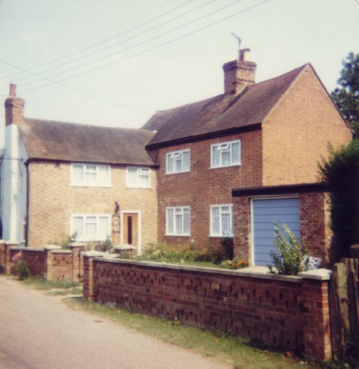 Three Horseshoes Public House in Staploe in 1982, now delicensed