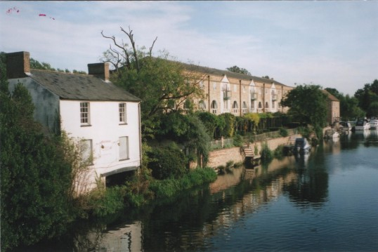 View of River Terrace and the Old Falcon Boathouse looking south from the town bridge, in 2007