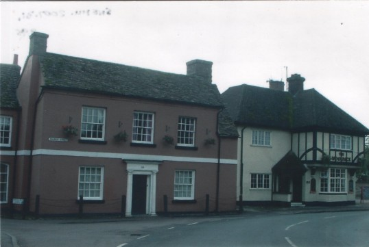 The Red House and The Woolpack in Church Street, St Neots, in 2007
