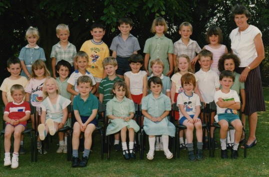 Bushmead Infants class, Bushmead Rd, Eaton Socon, about 1990