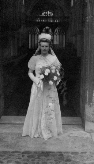 Daphne Scales, bridesmaid at St Marys, Eaton Socon in 1943