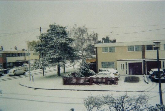 Snow at Ouse Rd and Brook Rd in Eaton Ford in 2007