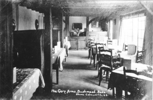 Inside The Gery Arms near Bushmead in Eaton Socon Parish, about 1935