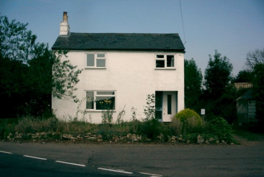 Tally Ho public house in Upper Staploe, used as a house for many years and empty in 2005 and soon to be demolished