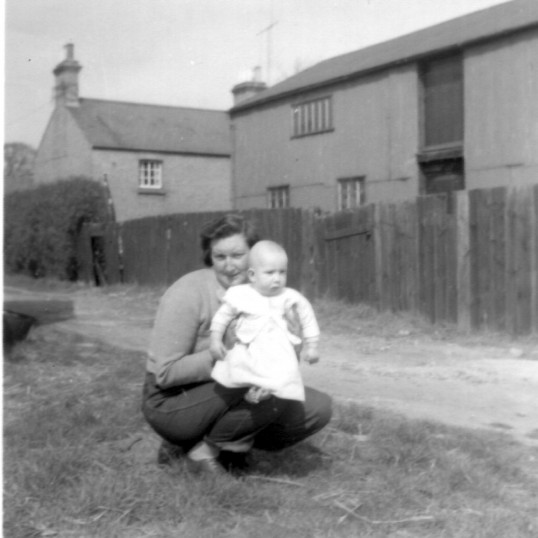 Richardsons basket weavers barn at the back of 34 St Neots Rd in Eaton Ford, around 1960.