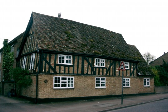 158 St Neots Road in 2004, formerly The Old Chequers Public House, Eaton Ford