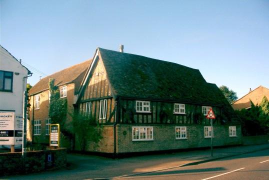 158 St Neots Rd in 2005, once two separate dwellings, formerly the Chequers Public House, Eaton Ford
