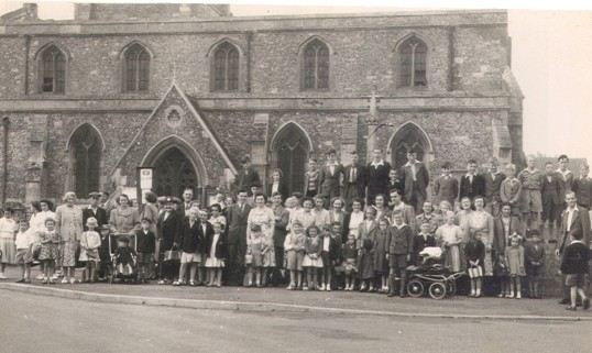 Eynesbury, St Marys Church, outing in the 1940s