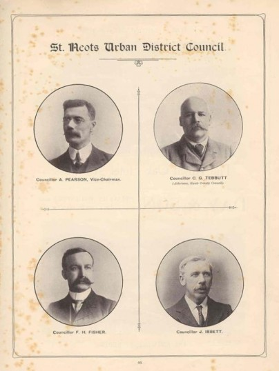 1911 Coronation Souvenir programme - photos of councillors Pearson, Tebbutt, Fisher and Ibbett