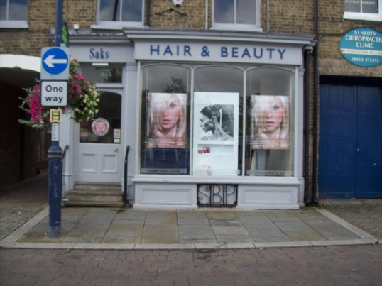 Saks Hair & Beauty Shop, Market Square, formerly Calcutts Chemist in October 2008