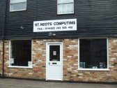 'St Neots Computing' – shop in Fishers Yard, St Neots Market Square in July 2010
