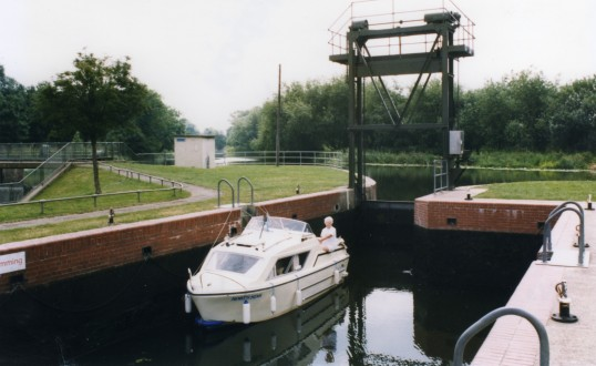 North Star in Eaton Socon lock on the River Great Ouse in April 1999
