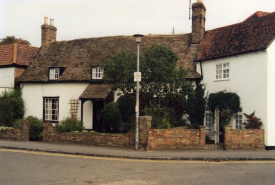 Westwood Cottage (formerly Falcon Cottage) on the left and Trotwood Cottage on the right, 164 and 162 Great North Rd Eaton Socon in October 1991