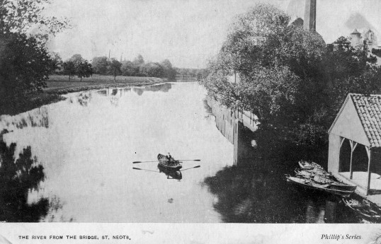 View of the River Great Ouse from St Neots bridge, with the boathouse at the Half Moon Hotel on the right, around 1910