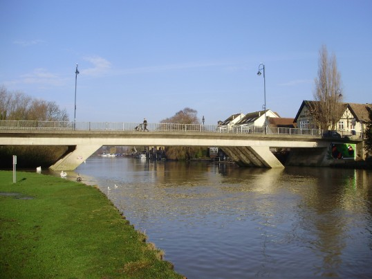 View of St Neots Town Bridge from the Riverside Park in January 2011