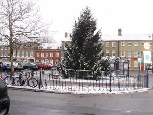 A snowy Christmas tree in St Neots Market Square in December 2010 (P.Ibbett)