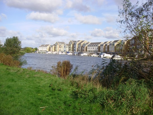 View from Barford Pocket Park towards the houses facing the new marina on the Eynesbury Manor Farm estate in October 2010 (P.Ibbett)