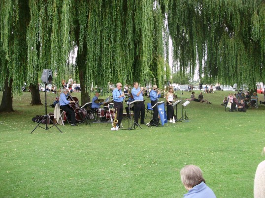 Jazz band playing in the St Neots Riverside Park on a Sunday afternoon in August 2010 (P.Ibbett)