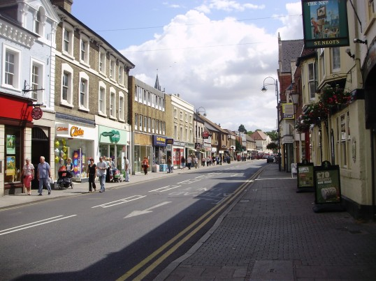 St Neots High Street free of traffic during sewer works in July 2009 (P.Ibbett)