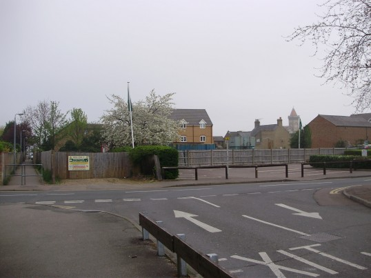 View across the Tan Yard car park to the new buildings on the former roller skating rink site in April 2009 (P.Ibbett)