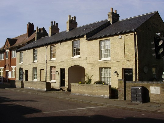 Renovated cottages in New Street, St Neots, once Cobbolds Funeral Directors in March 2009 (P.Ibbett)