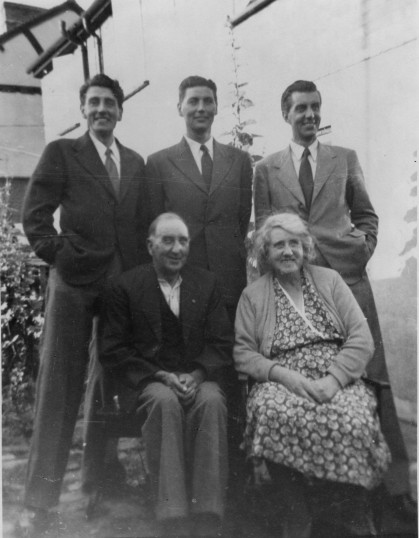 The Barringer family at 181 Great North Rd in Eaton Socon, about 1950