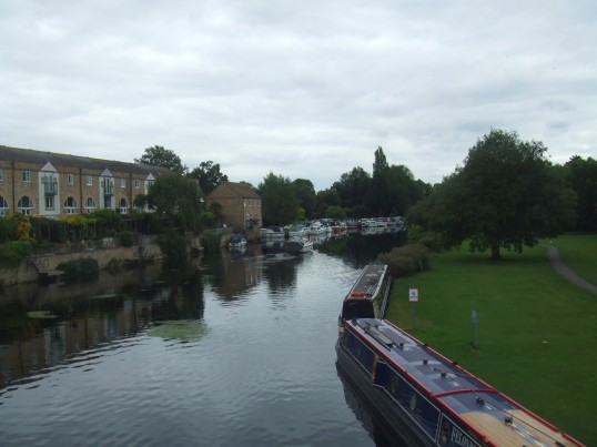 View south from St Neots Town Bridge looking towards Houseboat Corner in August 2011