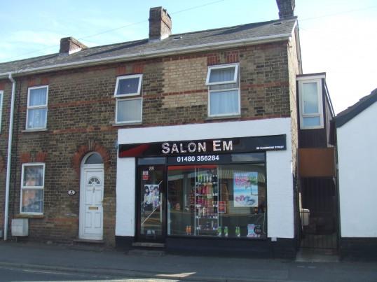 Salon Em, 88 Cambridge Street, St Neots in August 2011
