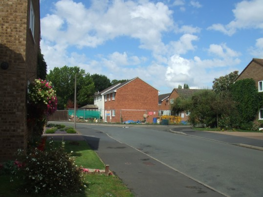 View along Collingwood Rd from the entrance showing the new house next to 58 Collingwood Rd, Eaton Socon in August 2011