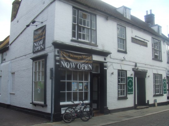 King's Head in South Street, St Neots in October 2010 - Part of the building is occupied by Rivermill Carpets