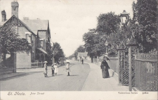 St Neots Baptist Chapel railings visible on the right, in this view of New Street in 1905
