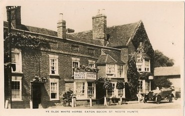 White Horse, Great North Rd, Eaton Socon, in the 1930s
