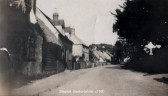 A view of Staploe village, around 1930, when the old cottages were still standing (n. Cutts)