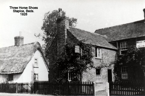 Three Horseshoes Pub in Staploe village, in Eaton Socon Parish in 1928 (N. Cutts)
